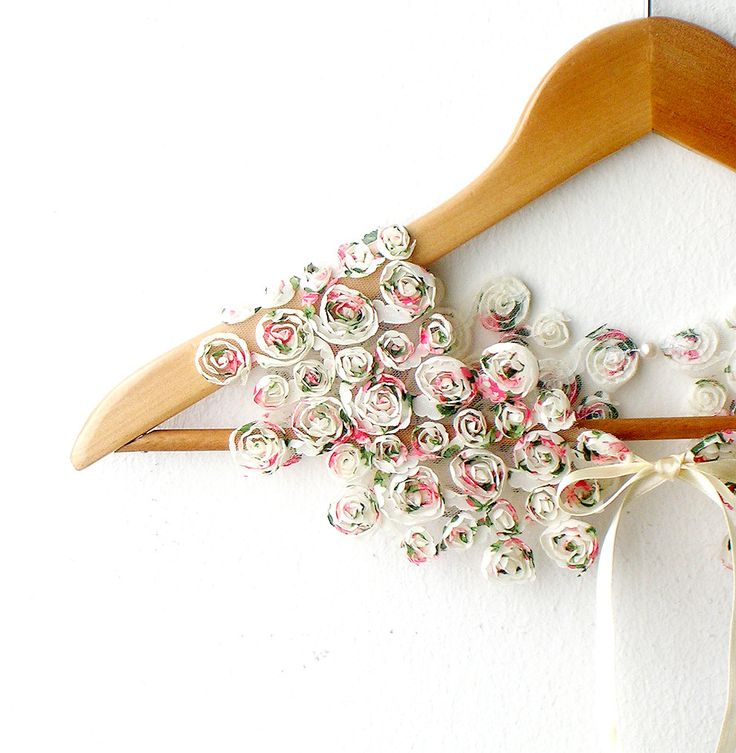 RESERVED FOR WHITTXP   Peter Pan Collar Little Roses
