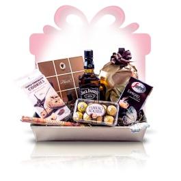 """Golden Glow  #Cosul #cadou Golden Glow, este ideal pentru cadouri corporate. Contine produse atent selectionate, cu un design bogat in note de auriu, prezentate intr-o eleganta tava pentru cadou. Golden Glow combina savoarea cafelei Segafredo si a renumitului whiskey Jack Daniel's cu specialitati de ciocolata si praline belgiene pentru ca dumneavoastra sa puteti oferi un """"multumesc"""" delicios de fiecare data!   #cadoubusiness #coscadou #cadougourmet #cosurigourmet"""