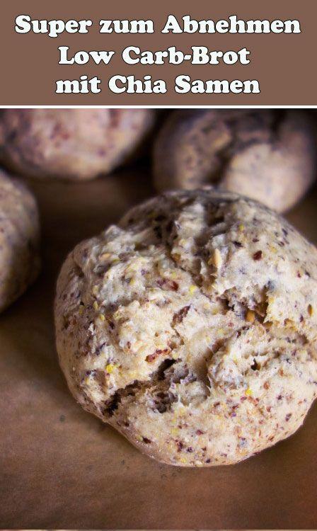 Möchtest du eine Diät machen und abnehmen, dabei aber nicht auf Brot verzichten? Dann ist das Chia-Brot Low Carb perfekt für dich!