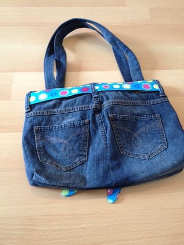 best 25 tasche aus jeans ideas on pinterest handtasche jeans jeanstasche n hen and jeans tasche. Black Bedroom Furniture Sets. Home Design Ideas