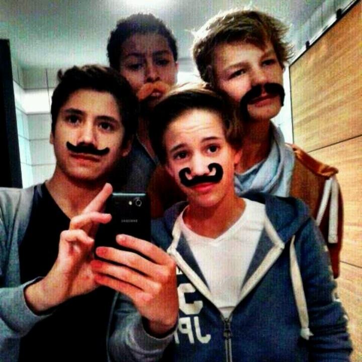 Mainstreet moustache