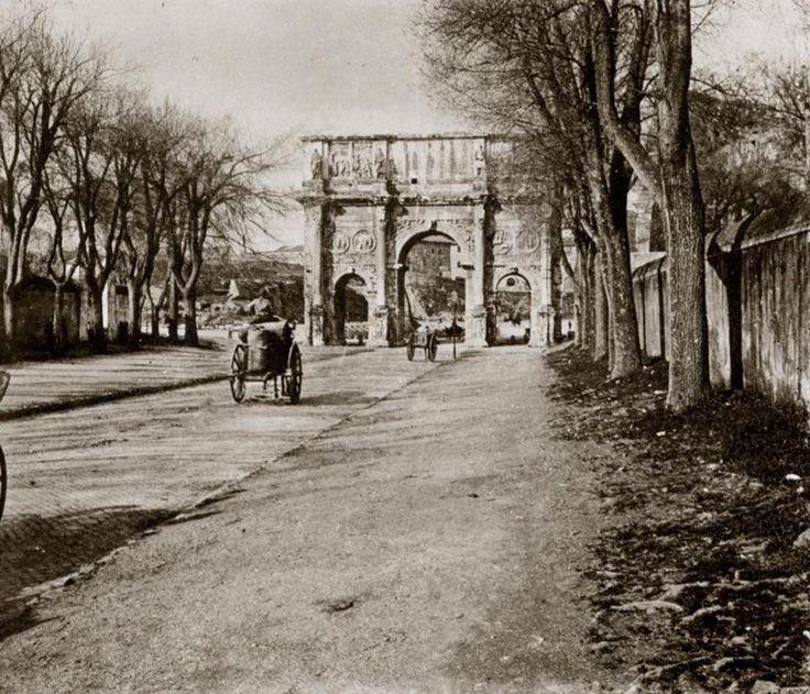 Roma : via di San Gregorio e l'arco di Costantino nel 1905.