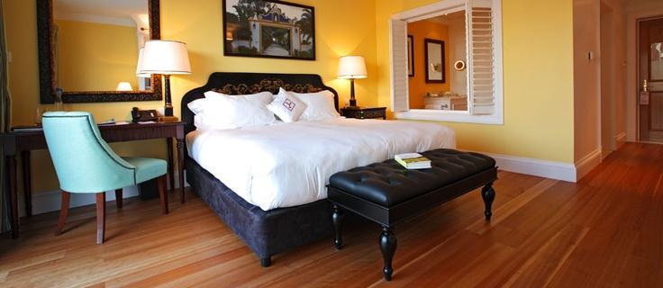 O The Yeatman é um hotel de luxo com Spa, localizado no Porto, um paraíso para os amantes do vinho. Proporciona vistas panorâmicas para o Porto e rio Douro, a partir de cada quarto e suite. Reserve online.