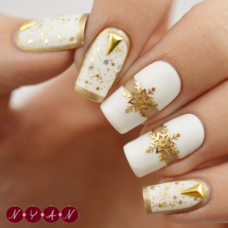 Nailpolis Museum of Nail Art | Let It Snow by Becca B