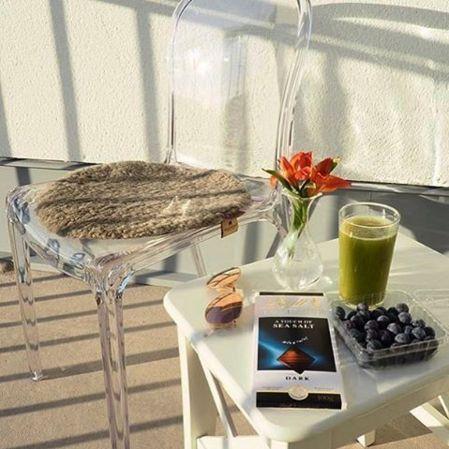 Transparent Labradoren plaststol. Polykarbonat, balkong, terass, veranda, inredning, utemöbler, stol, plast, utomhus, möbler. http://sweef.se/stolar/57-labradoren-stol-i-polykarbonat.html