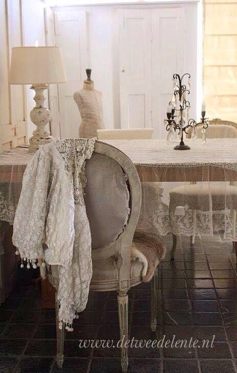 de tweede lente ▇  #Vintage #Home #Decor  via - Christina Khandan  on IrvineHomeBlog - Irvine, California ༺ ℭƘ ༻