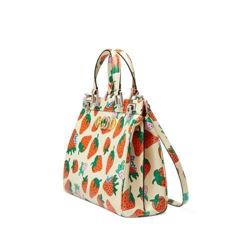 2581e7102cf Gucci Zumi Strawberry print medium top handle bag | กระเป๋า ในปี ...