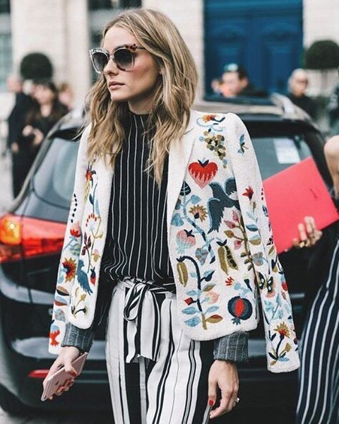 Is there anything more chic than a classic outfit with the perfect amount of downtown edge? We think not. Tap the link in our bio for three styling hacks that are serious game-changers..