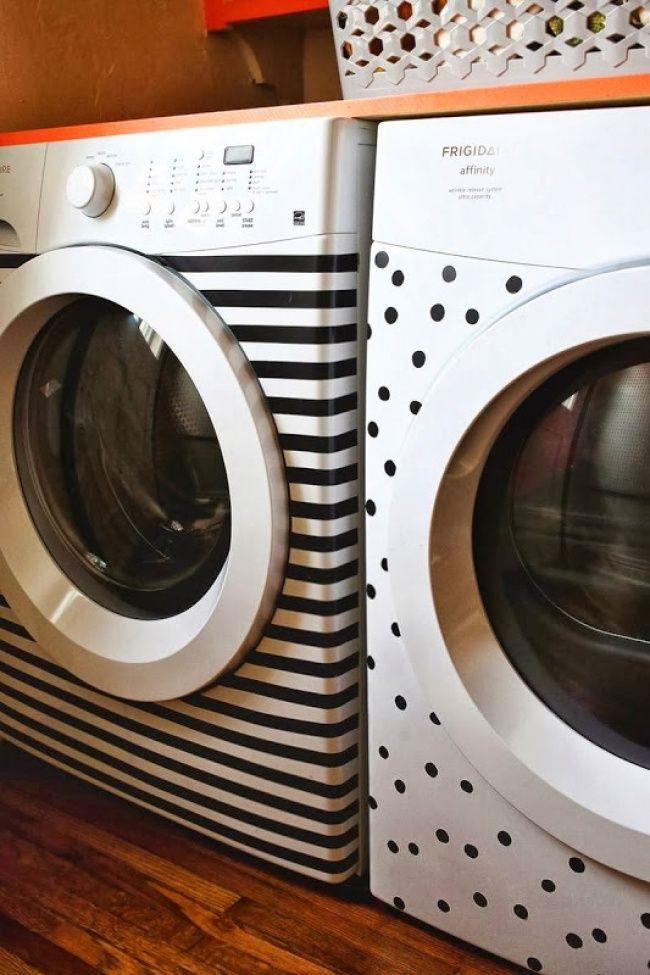 С помощью самоклеющейся ленты можно сделать из стиральной машины арт-объект