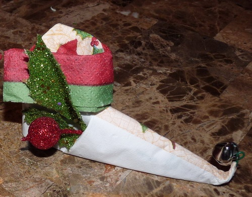 Beyond the Fringe Crafts: Christmas Napkin Fold - Elf Boot