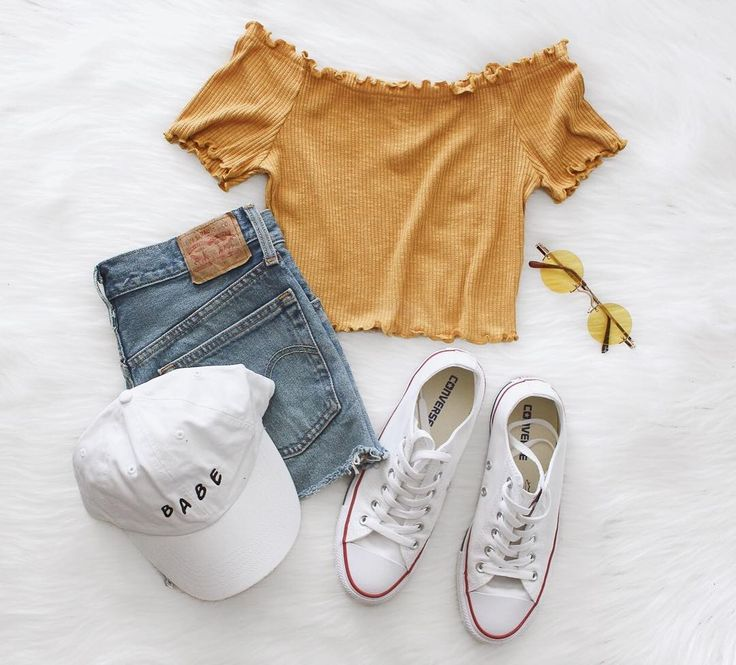 """NYCT Clothing auf Instagram: """"Off Shoulder Crop Top"""" (Shop-Link in Bio) … – outfits <3"""