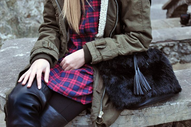 OVER THE KNEE BOOTS, PARKA – TOPSHOP LEGGINGS – CUBUS SHIRT – OYSHO BAG – DIY BEANIE – H&M  Kontrowersyjne, seksowne i ekstrawaganckie kozaki sięgające powyż…