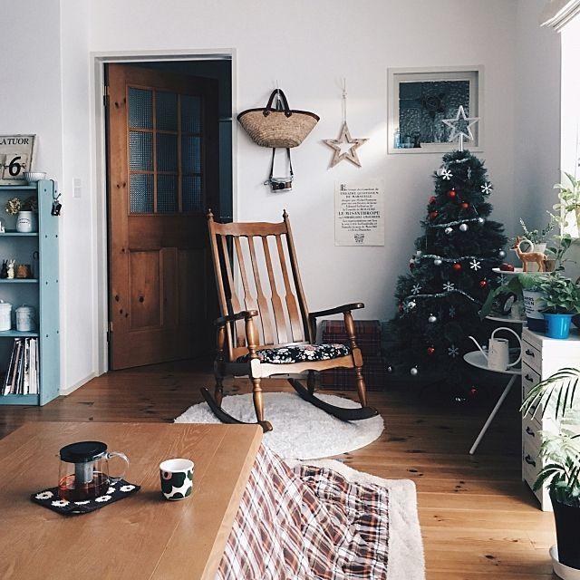 nicoさんの、Lounge,IKEA,ロッキングチェア,DIY,マリメッコ,カフェ風,コタツ,クリスマス,marimekko,北欧雑貨,お家カフェ,おうちカフェ,クリスマスツリー,スタジオクリップ,グリーンのある暮らし,こどもと暮らす,おうち時間についての部屋写真