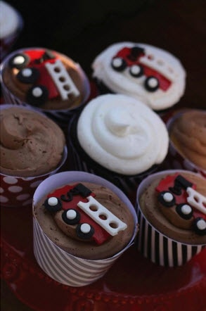 Fire Engine Cupcakes | Shared by LION