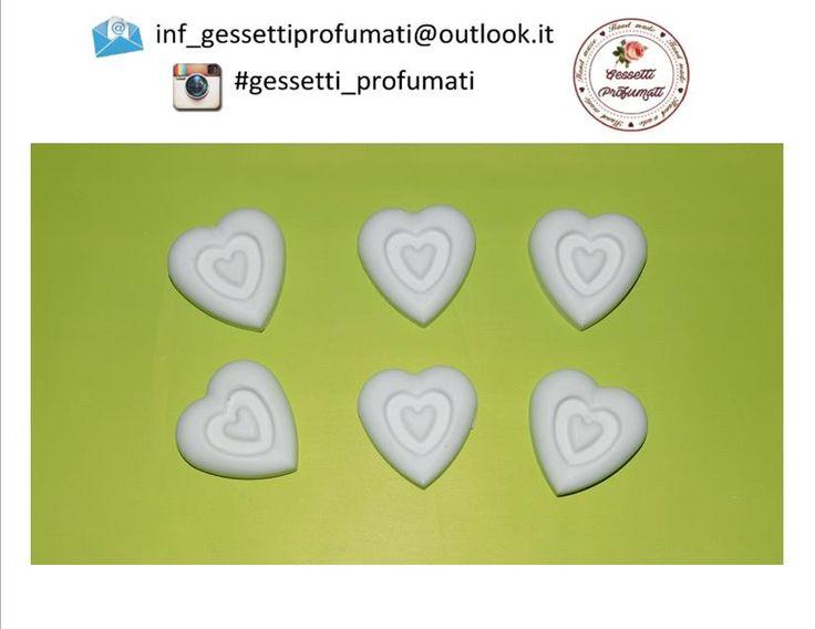 http://www.ebay.it/itm/182342967571?ssPageName=STRK:MESELX:IT&_trksid=p3984.m1555.l2649 Gessetti profumati a forma di cuore 3X3 cm <3