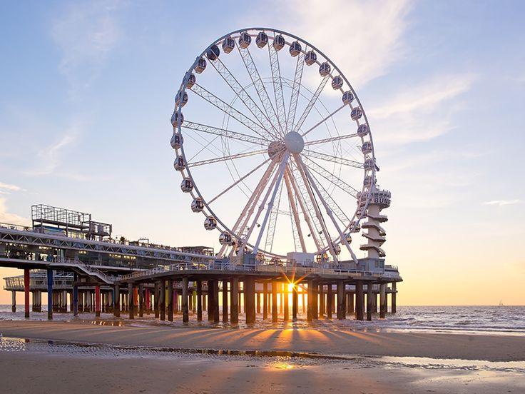 Den Haag-reuzenrad op de pier! Hoe romantisch en er is zelfs een vip gondel met glazenbodem. Ritje €9,- voor ca. 20 minuten