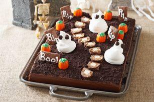 Gâteau cimetière effrayant - Vous avez encore le temps d'épater les enfants ! Pour une foule d'idées, rendez-vous à notre Carrefour de l'Halloween à http://www.kraftcanada.com/fr/recettes/holidays-and-entertaining/holidays/halloweencentre/halloweencentrelanding.aspx#&panel1-1
