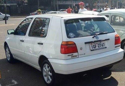 VW – VolksWagen Golf GLX 2.0 4p 1997 Gasolina Porto Alegre RS   Roubados Brasil