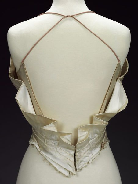 Evening bodice (image 3) | Charles James | American | 1937-1939 | satin | Victoria & Albert Royal Museum | Museum #: T.289-1978