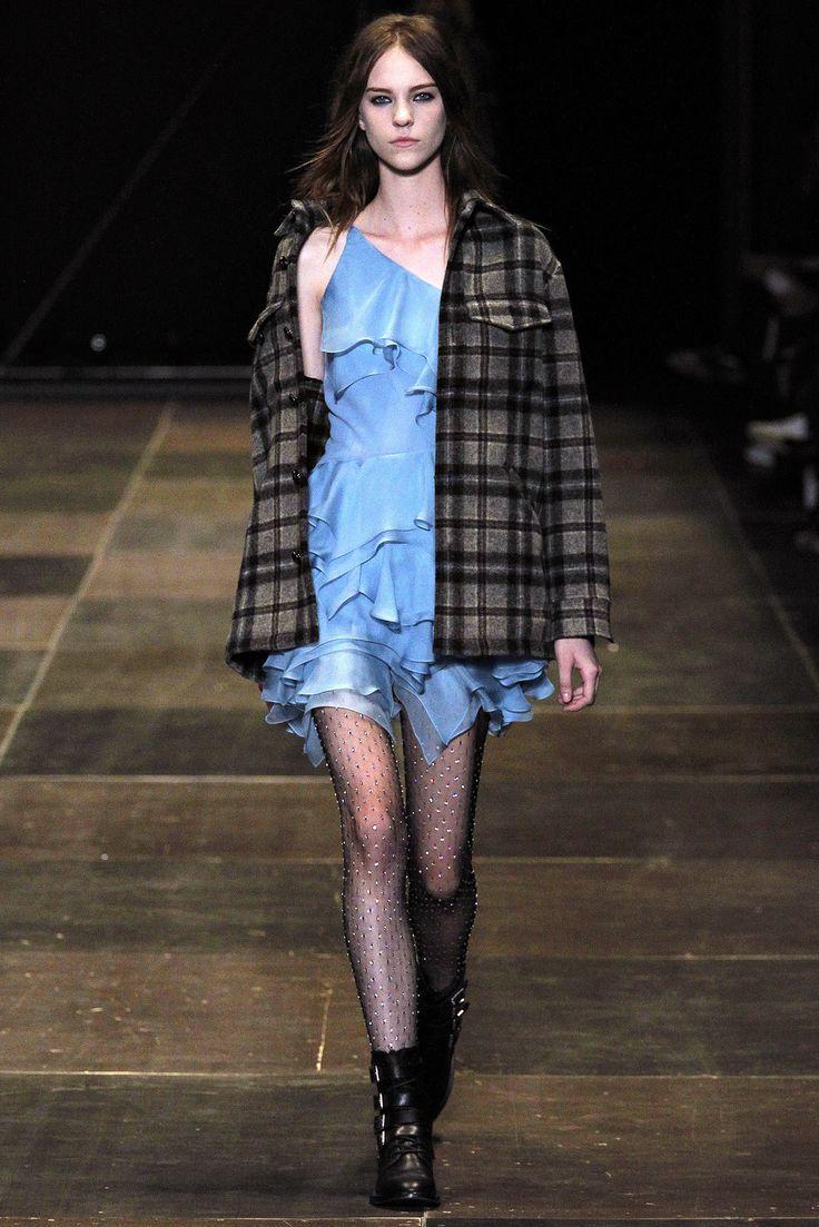 Saint Laurent Fall 2013 Ready-to-Wear Fashion Show - Nicole Pollard (OUI)
