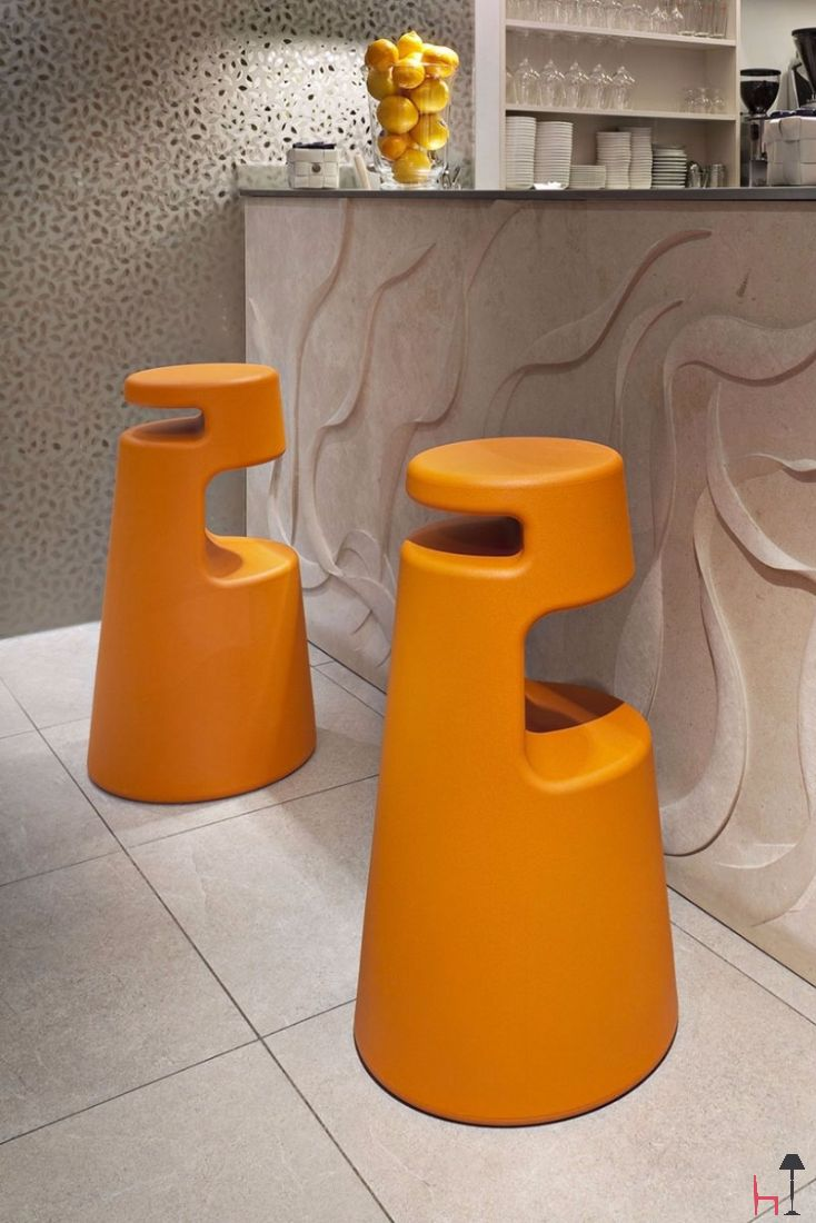 Designed for public spaces but perfect also for residential ones, 2525 is a stool made from one block of polyethylene.