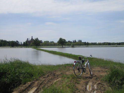 A partire dal weekend del 17 maggio e fino al 4 ottobre il Distretto dell'Attrattività di Expo 2015 proporrà Certos@ in bici, una serie di gite in bicicletta che avranno lo scopo di valorizzare le