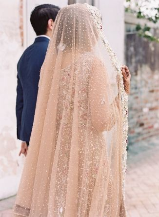 fe972e2496222 Traditional Indian Wedding at Race and Religious. #bride #groom ...