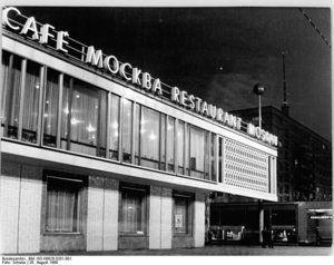 Restaurant Moskau in der Karl-Marx-Allee, Berlin (August 1969)