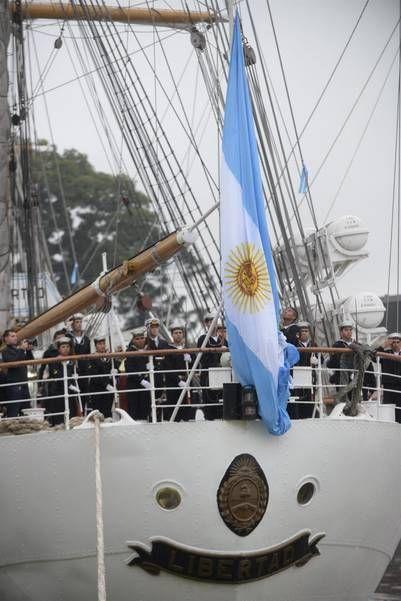 La fragata Libertad, nuevamente dispuesta a surcar los mares, en su viaje de instrucción.