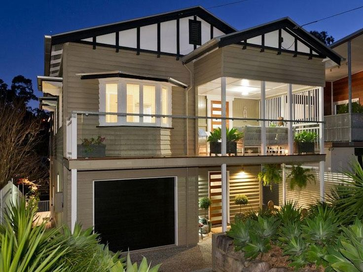Photo of a weatherboard house exterior from the realestate.com.au Home Ideas Facades image galleries - House Facade photo 1515836. Browse hundreds of weatherboard facade designs from Australian homes on Home Ideas.