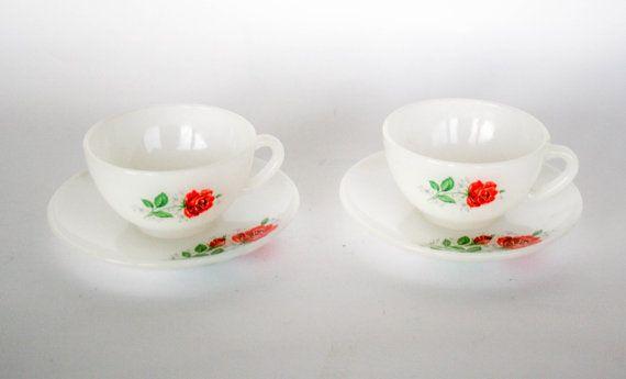 VENDITA  Arcopal Vintage Set di due tazze di caffè di DoubleRandC