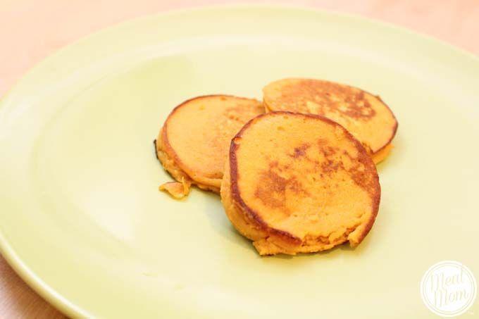 2 Ingredients Baby Pancakes - Sweet Potato or Banana pancake recipes #mealmom #breakfast #healthy