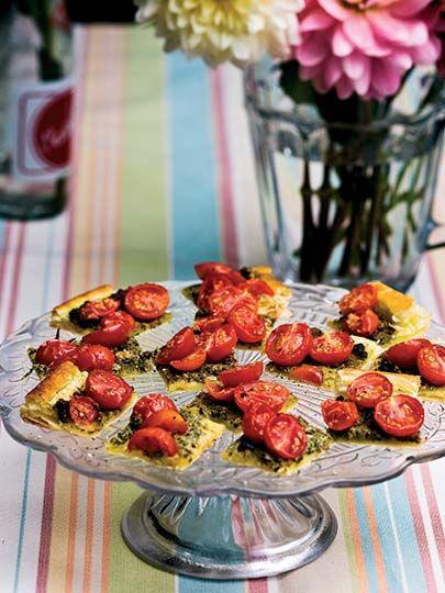 Kiraz domatesli tart dilimleri Tarifi - Parti Yemekleri - Yemek Tarifleri