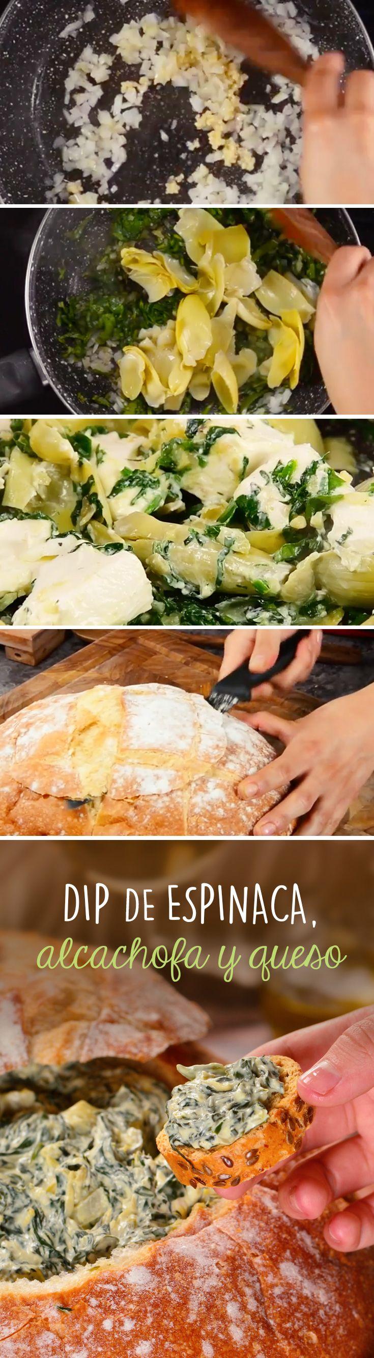Este dip de quesos con espinaca y alcachofa es la botana perfecta para compartir con amigos o disfrutar en un viernes por la noche con tus películas favoritas. ¡Sírvelo en pan de campiña calientito!