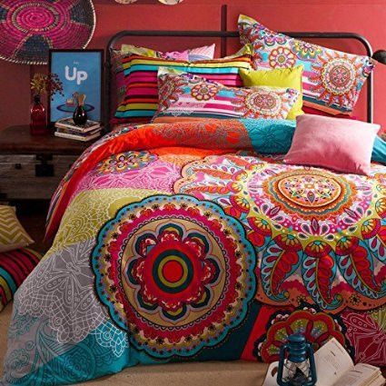 Add flair to a bedroom with the Boho 4 PCSet. Featuring a unique design, it works well in just about any decor style, including eclectic and global. The quilt