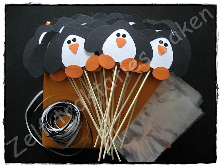 ♥ Traktatiepakket pinguïn ♥ Inhoud: 25 traktatieprikkers 25 cellofaanzakjes 25 x 25 cm krullint Piepschuimblok om de traktaties in te steken. Slechts € 0.88 per traktatie.