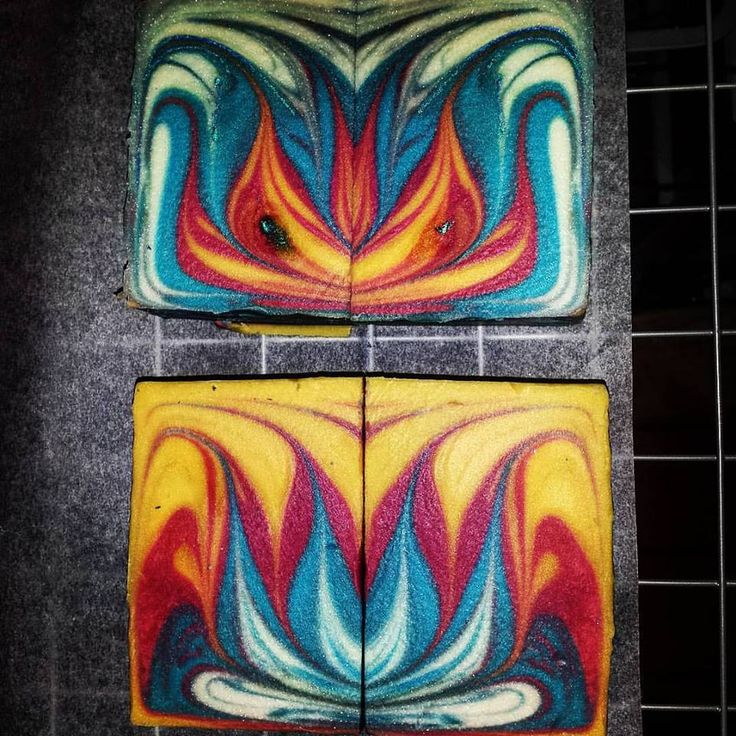 and what I found was... So excited!! Oh my!! A gorgeous lotus blossom inside my soap!!! Carnivale