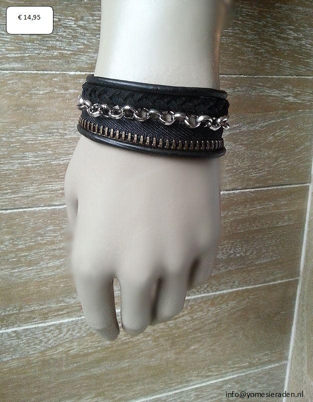 Armband Mix,     stoere armband van verschillende materialen. Zwarte lederen veters, gevlochte suède veter, metalen rits gemixt met een zilverkleurige metalen jassaron. De armband is 22 cm maar te verstellen in lengte door de verlengketting. Hierdoor is de armband geschikt voor polsmaat 20 t/m 24.     € 14,95 (excl. verzendkosten) http://www.mijnwebwinkel.nl/winkel/yomesieraden/a-35810404/armbanden/armband-mix/