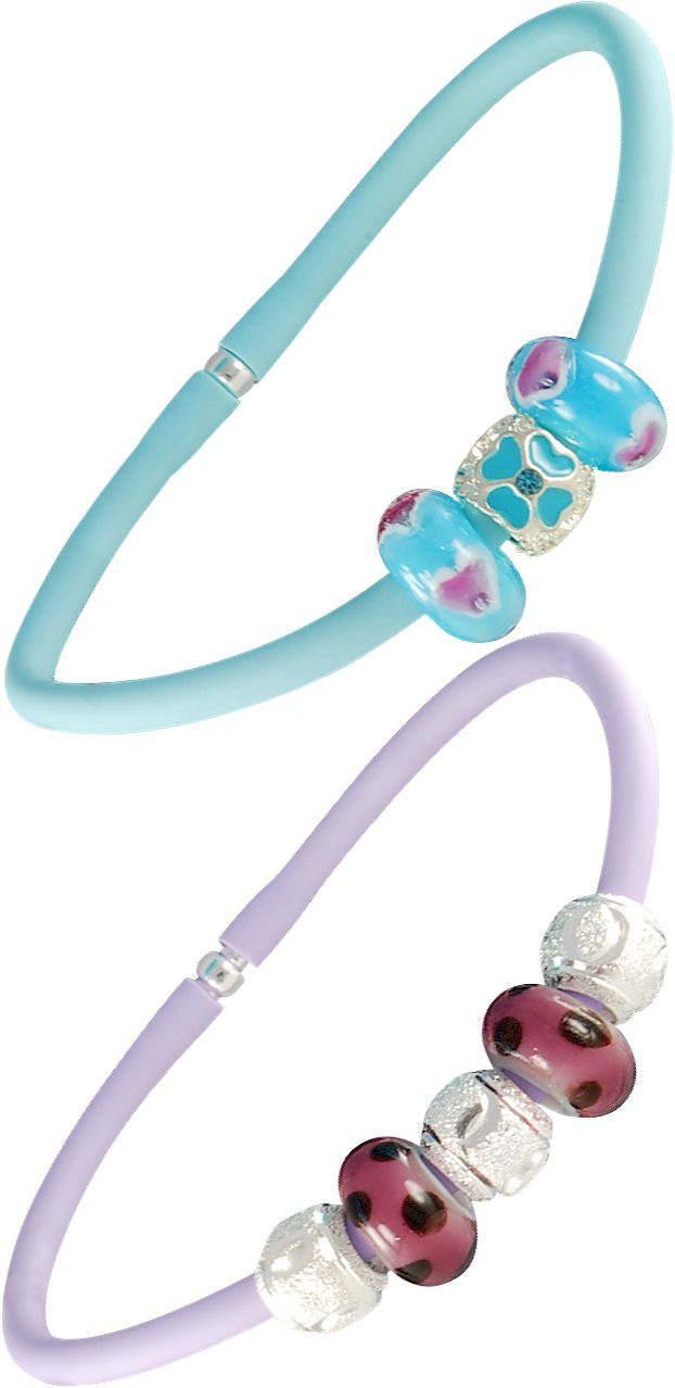 Special rubber bracelets with Pandora style beads. Colorful Murano glass beads hand made in Italy Venice, in blue and lilla tonality. Wholesale fashion jewelry, bright, imaginative, customizable. Assembled with a single piece of 925 sterling silver core. In other words the glass beads are equipped with a monolithic piece of silver, and not with two cheap eyelets sticked with glue like most Chinese low-quality beads. Venetian glass jewelry.