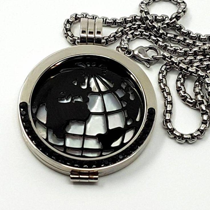 Ich freue mich, den jüngsten Neuzugang in meinem #etsy-Shop vorzustellen: Coin-Kette Edelstahl-Zirkonia schwarz mit Edelstahl-Coin Weltkugel geschwärzt und Perlmutt Coin 4-teilig Wechselschmuck #edelstahl #zirkonia #schwarz #silber #wechselschmuck #halsschmuck #halsketten #necklace #coinskette http://etsy.me/2jurQYN