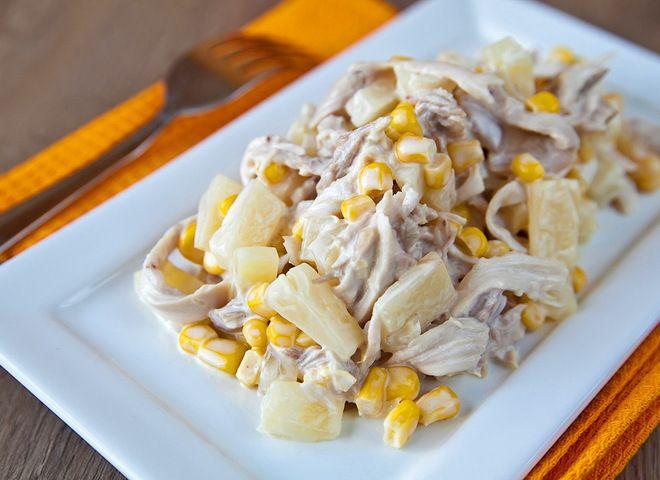 Салат из куриной грудки кукурузы сыра