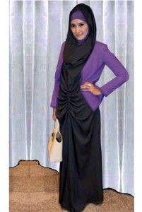 Gamis Ineke Bahan: Spandek Jersey ( Maxi Tangan Buntung + Cardigan + Pashmina ) Size: Fit L Kode Produk: BD4865 Harga: Rp. 60.000