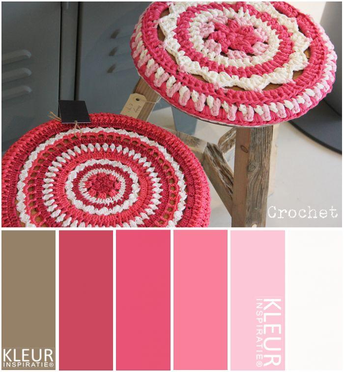 Crochet - Hoesje voor krukje haken in verschillende tinten roze en wit. Katoen
