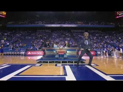 UK College GameDay Does The Harlem Shake - Im in it - and well its college game day crew doing to too so its amazingly awesome