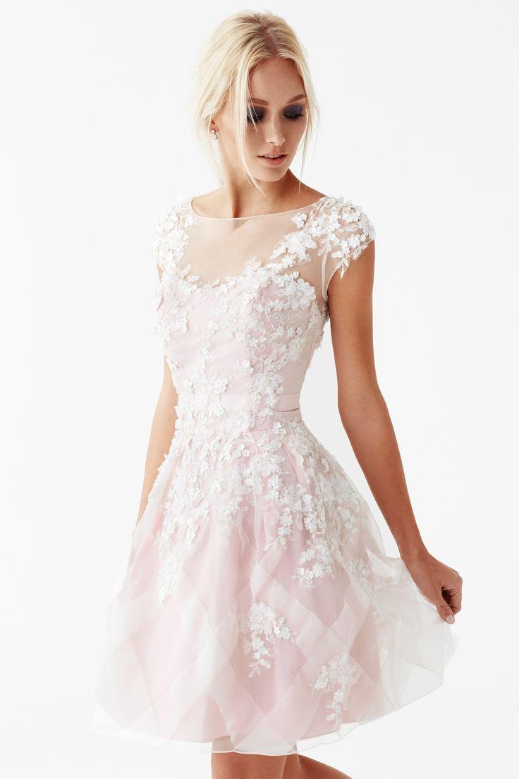 Kısa Nişan Elbisesi
