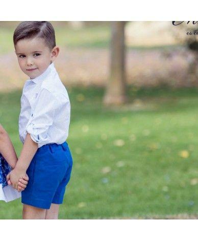 809eda3aa Conjunto para niño compuesto por camisa de manga larga y pantalón corto. La  camisa es