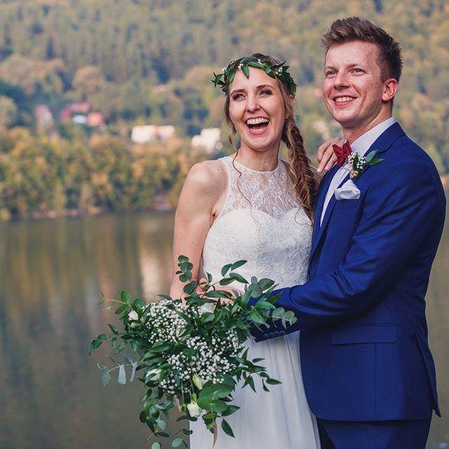 Najwyzszy Czas Oglosic Swiatu Te Nowine Ze Zdjecia Usmiechaja Sie Do Was Panstwo Subik Slub We Wedding Dresses Sleeveless Wedding Dress Sleeveless Wedding
