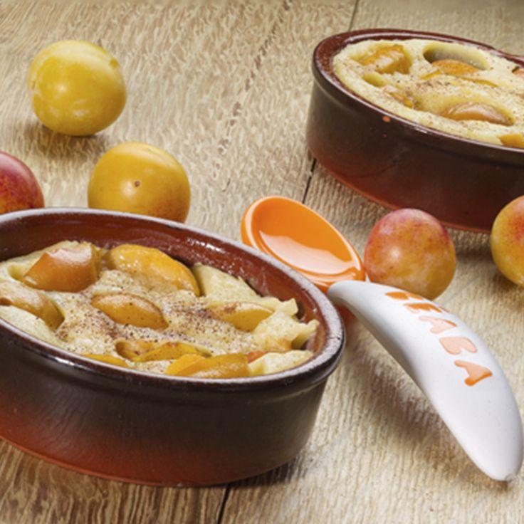 13 à 24 mois : Clafouti mirabelles -      1/3 œuf (soit 20g environ) 30 ml lait 7 g beurre fondu 10 g sucre 18 g farine 50 g mirabelles