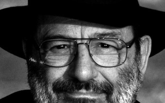 """Addio a Umberto Eco l'autore geniale de """"Il nome della Rosa"""" Si è spento all'età di 84 ieri sera nella sua casa di Milano, lo scrittore Umberto Eco. Uno dei più grandi autori dell'era contemporanea. Autore del bestseller Il nome della Rosa, Umberto Eco ebbe u #umbertoeco #ilnomedellarosa"""