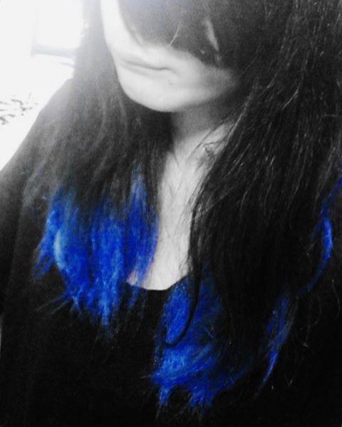 WEBSTA @ nekokanageru - そうだ前髪を切ろう髪をまたアホみたいな色に染めようそうしよう三十路になる前に#manicpanic #rockabillyblue #マニパニ #bluehairdontcare #bluehair #emo #blue #haircolor #hairdye #grunge #hair #alternative #indie #scene #punk #rock #punks #punx #emogirl #emohair #gothic #goth #grungegirl #hairstyle #pastel #hardcorepunk #fashion #selfie #selca #マニックパニック